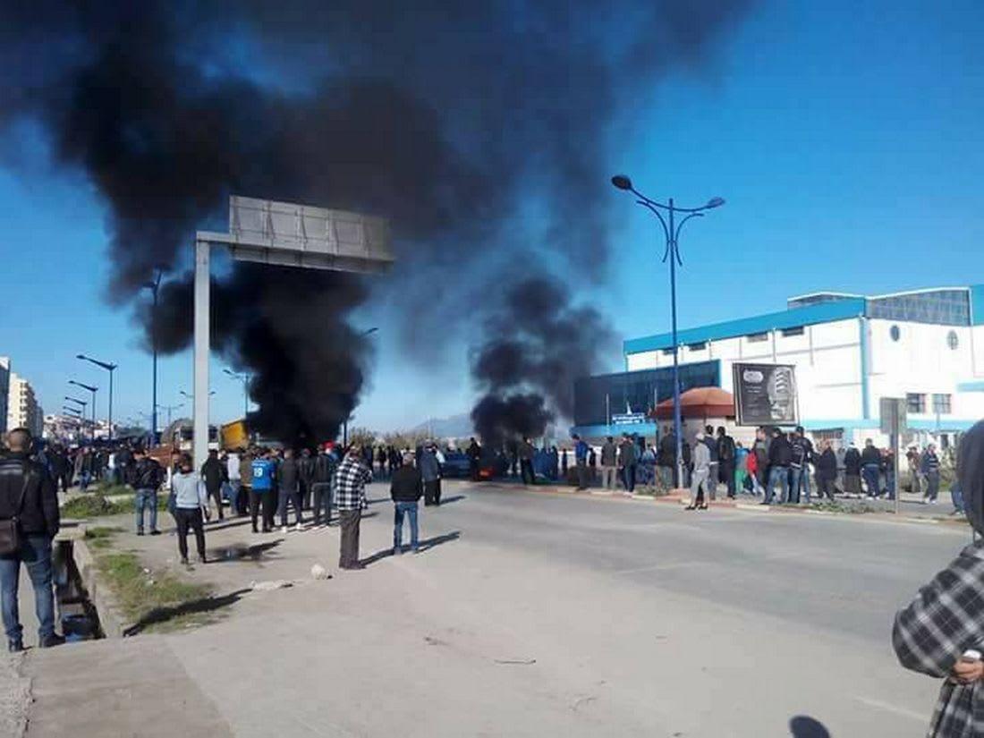بداية أسبوع في الجزائر على وقع أعمال عنف احتجاجا على زيادات ضريبية