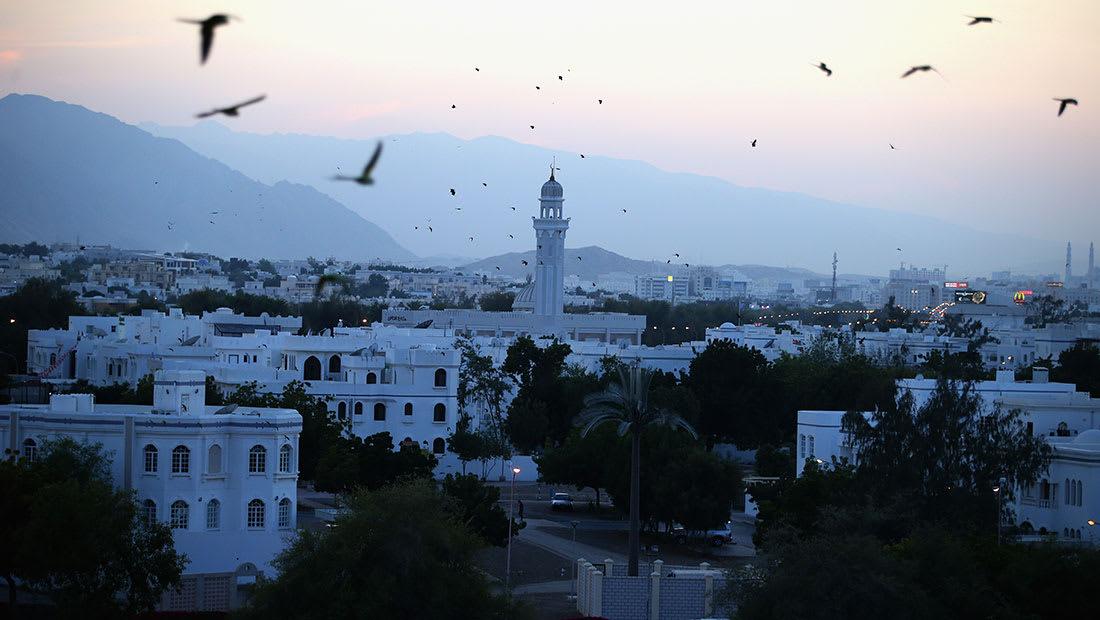 سلطنة عُمان تنفي بحث وديعة خليجية وتؤكد: لا مخاطر على الريال