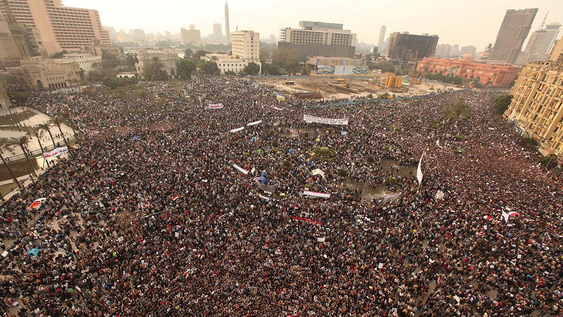 """ذكرى """"25 يناير"""".. مغردون: ثورة جيش حماها الشعب"""