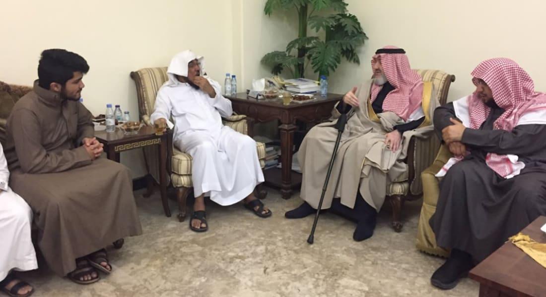 الأمير خالد بن طلال يغرّد عما فاجأه في تعزية سلمان العودة