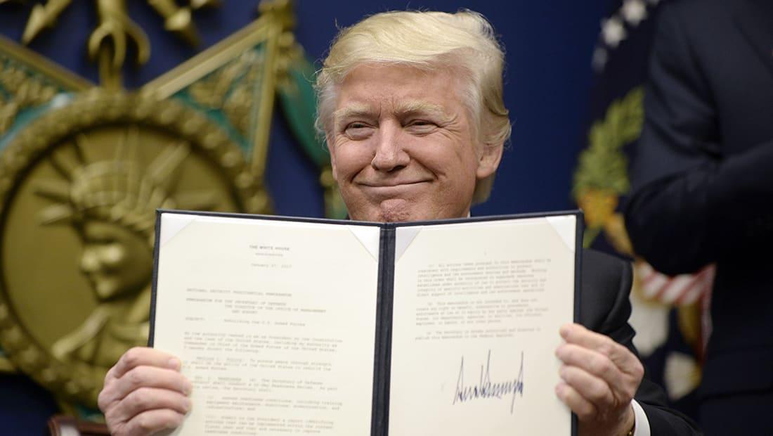 """خلفان مؤيدا """"حظر ترامب"""": يمن الحوثي وعراق الحشد وسوريا بشار طوع إيران"""