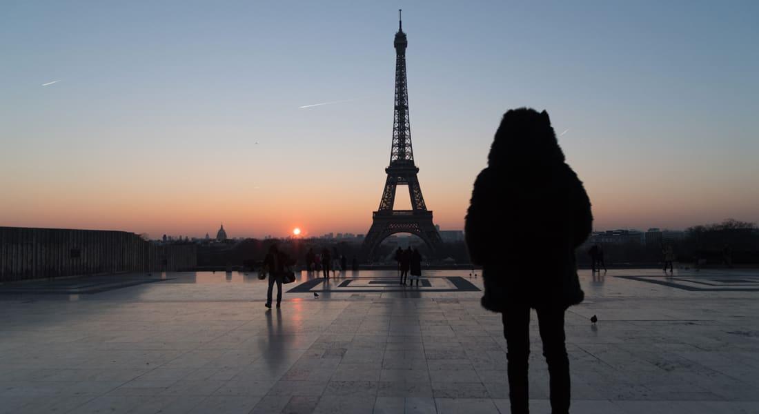 باريس تنوي بناء زجاج عازل حول برج إيفل