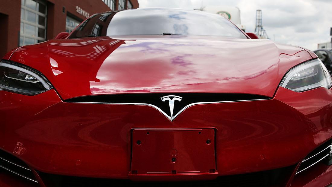 """""""تسلا"""" تفتتح في دبي لبيع السيارات الكهربائية في الشرق الأوسط"""