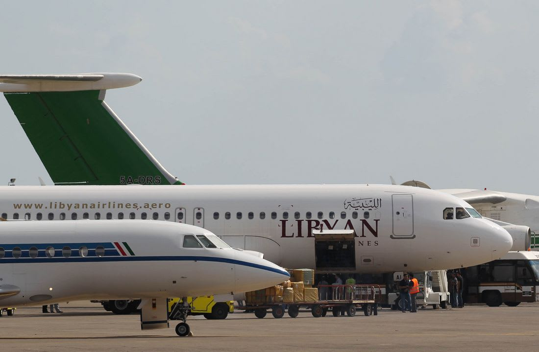 السلطات العسكرية بشرق ليبيا تمنع النساء من السفر دون محرم