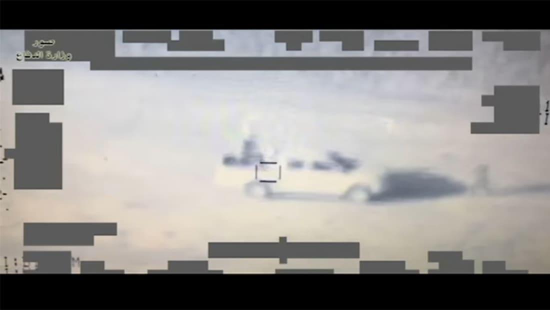 الدفاع العراقية تنشر فيديو لحظات استهداف عربات داعش
