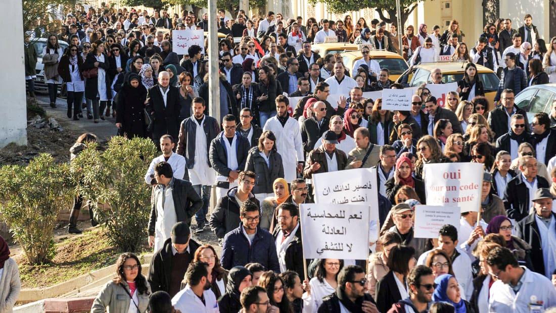 """شمس الدين النقاز يكتب: تونس للبيع في """"مزاد صندوق النقد الدولي"""" بسبب حكومة يوسف الشاهد"""