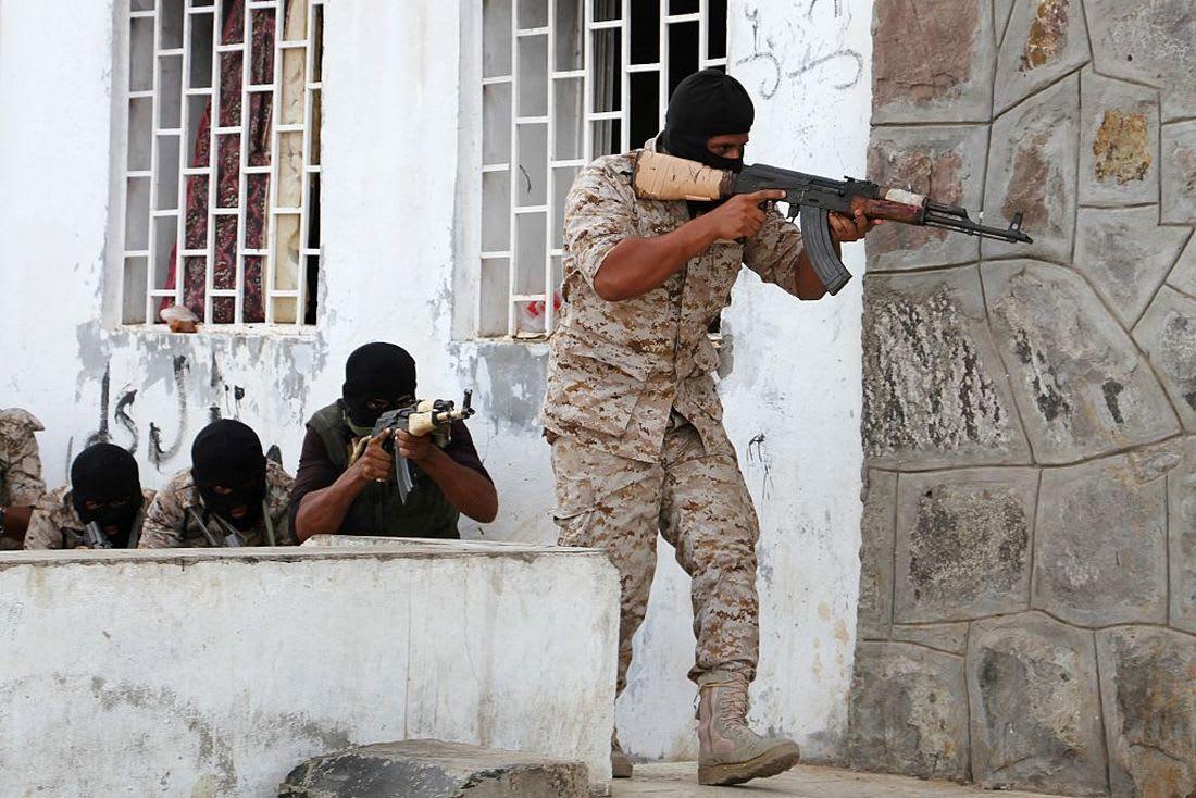 عسكري يمني: هدف عاصفة الحزم استعادة الدولة.. ودول التحالف ساندت الشعب