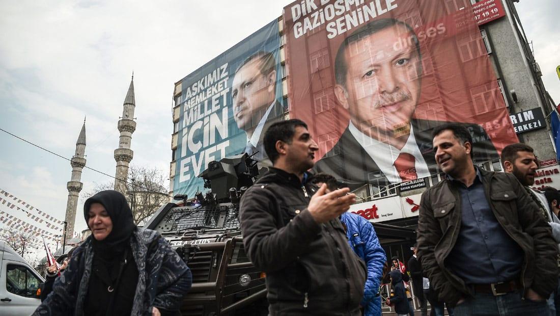 کاملیا انتخابی فرد تكتب لـCNN عن الاستفتاء الدستوري في تركيا: هل ستعود الديمقراطية الجميلة أم أنها غرقت مع الطفل إيلان؟