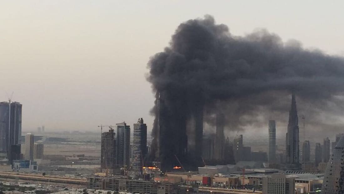 حريق في برج تحت الإنشاء بدبي