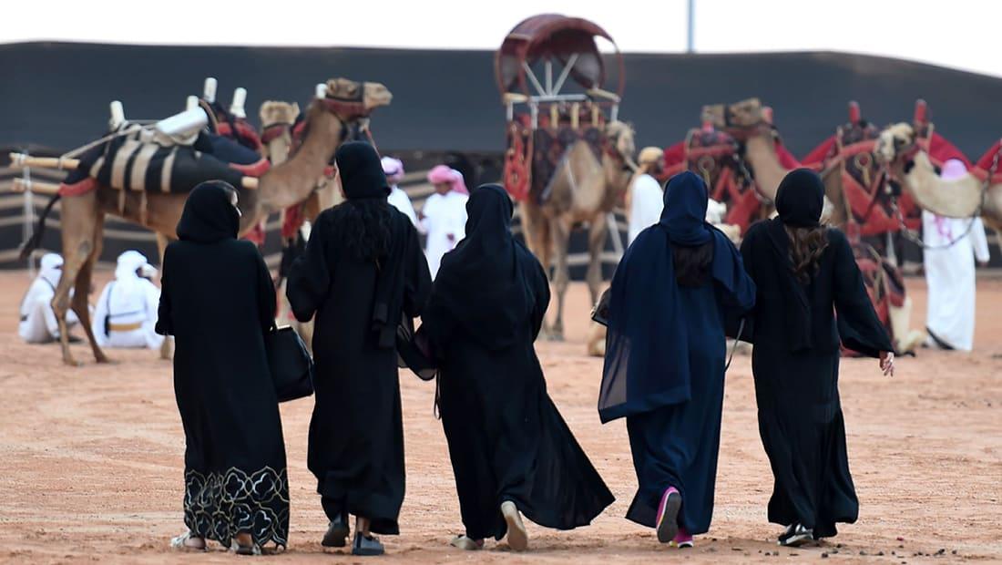 """خلفان ينتقد المنادين بحرية المرأة في """"الوطن العربي"""": لا يعلمون معنى الحرية الحقيقي"""
