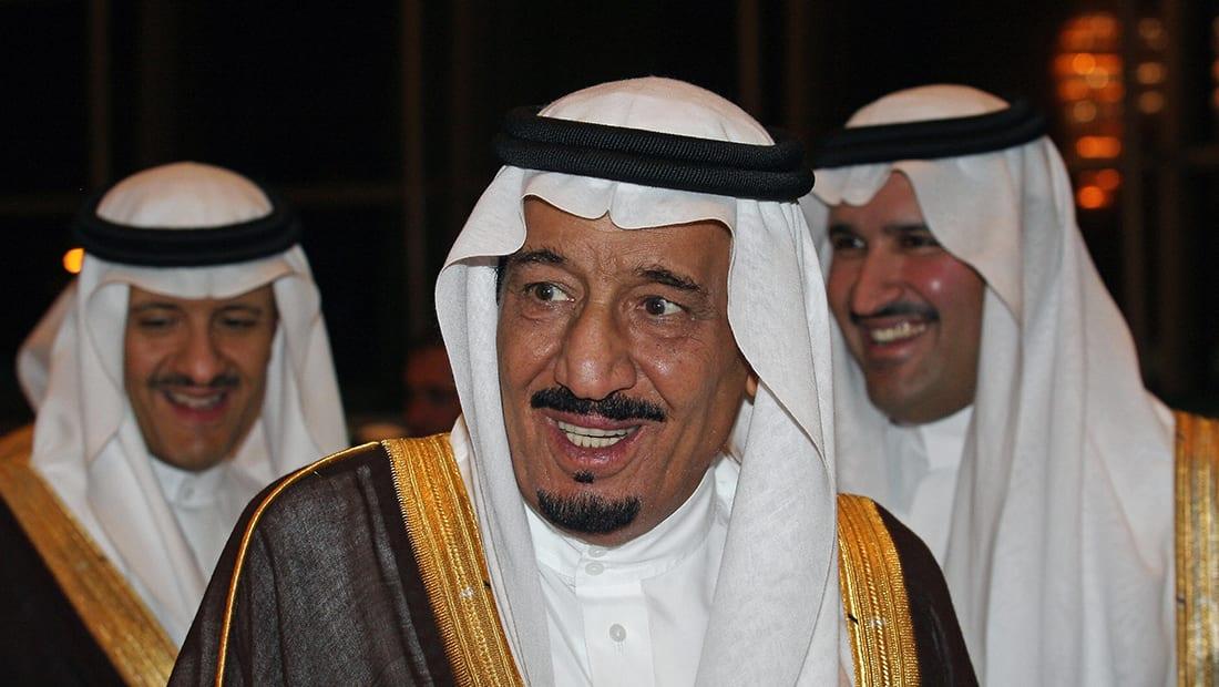العاهل السعودي يهنئ ترامب باتصال ويطلع على تفاصيل الضربة الأمريكية بسوريا