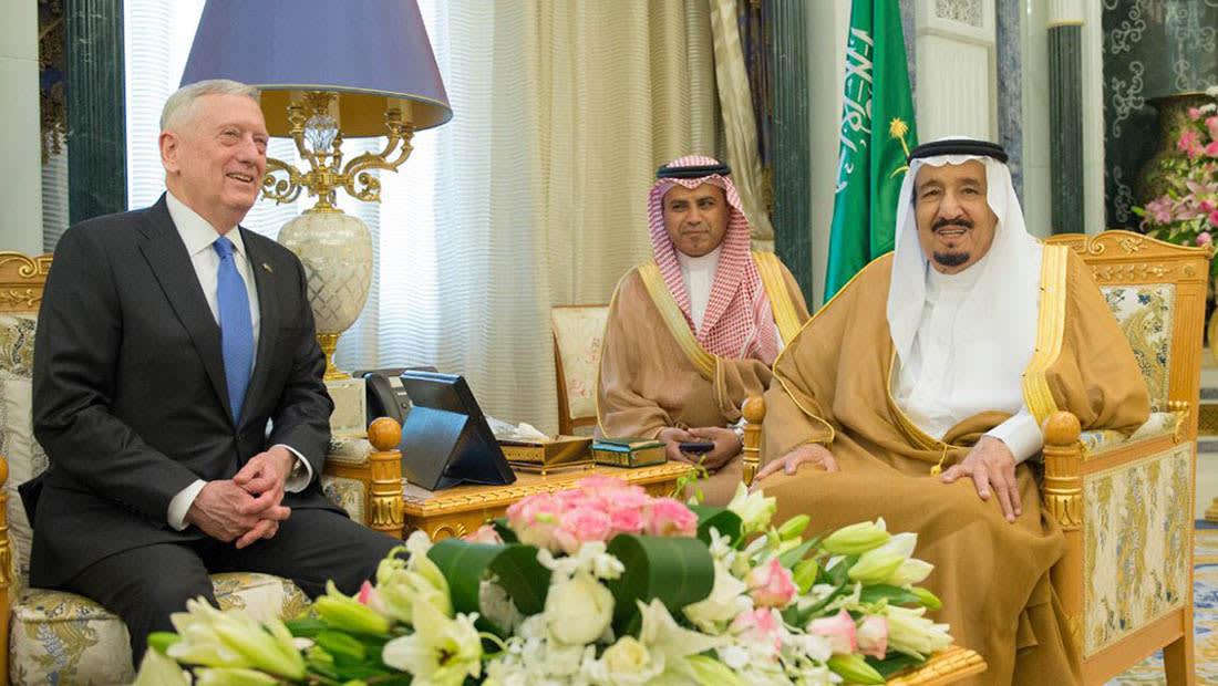 الملك سلمان يبحث تعزيز التعاون الدفاعي مع ماتيس