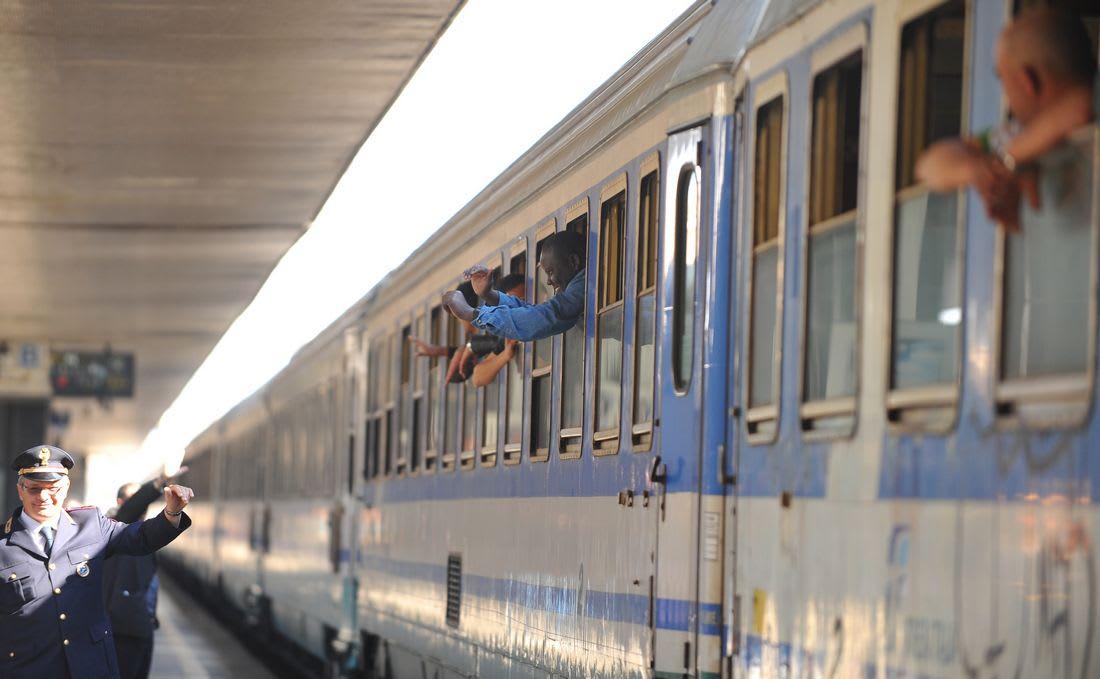 بعد انقطاع دام 11 عاما.. الجزائر وتونس ترتبطان مجددا بخط للقطار