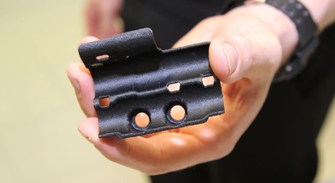 """الطباعة ثلاثية الأبعاد تستخدم لصناعة قطع سيارات """"فورمولا 1"""""""