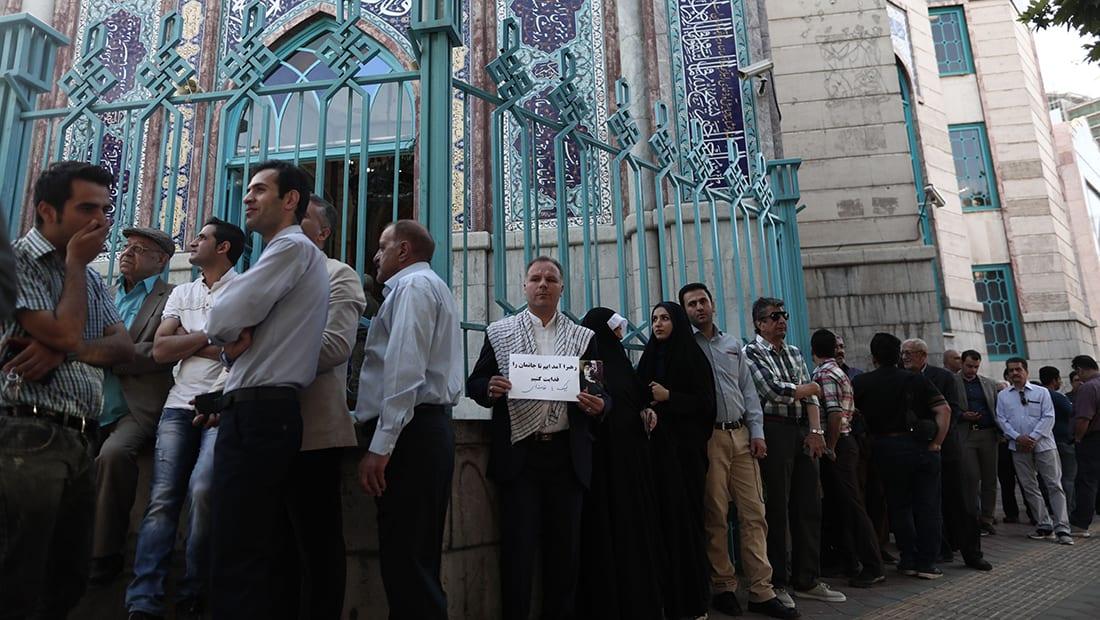 بدء التصويت بانتخابات إيران وخامنئي أول المصوتين