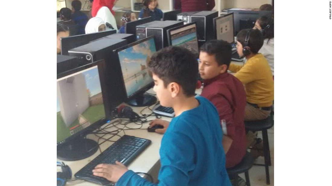"""دراسة: نتائج إيجابية للعبة """"ماين كرافت"""" على صحة الأطفال السوريين اللاجئين"""