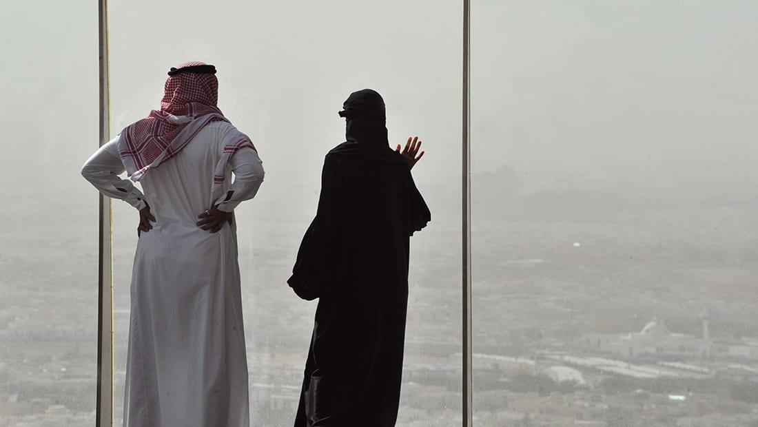مستشار بالديوان الملكي السعودي: بقائمة سوداء لن يعفى أي متآمر على دول المقاطعة وإن احتج بأنه مجبر