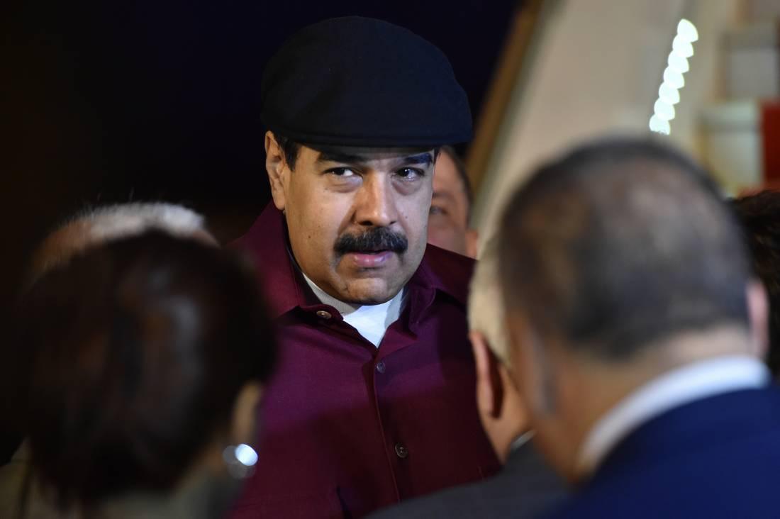 وسط تكهنات بفجائية الزيارة.. مادورو يغادر الجزائر دون لقاء بوتفليقة
