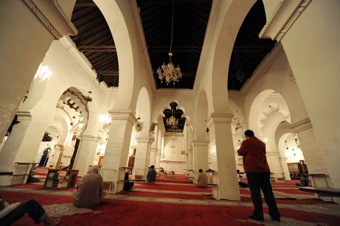 خلاف بالجزائر بين وزارتين حول بداية السنة الهجرية