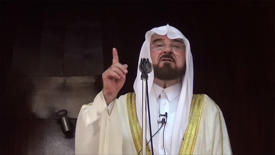 قيادي باتحاد يرأسه القرضاوي: معاص تُرتكب بحق قطر