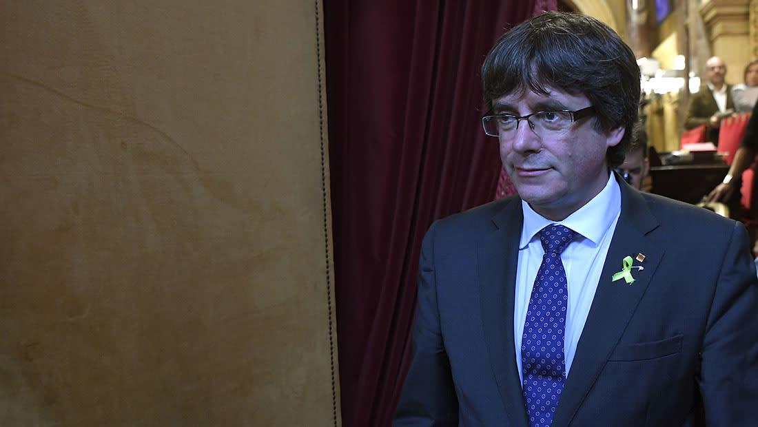 """رئيس كتالونيا المُقال يدعو إلى """"معارضة ديمقراطية"""" لسيطرة الحكومة الإسبانية"""