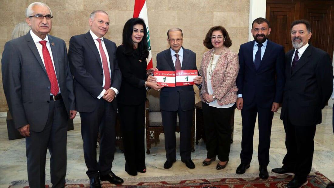 ماراثون في بيروت من أجل عودة الحريري.. وعون يطالب السعودية بتوضيح الأسباب