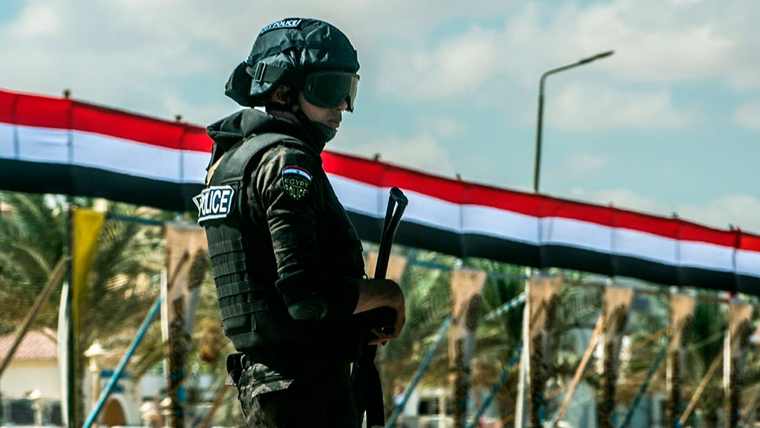 قرقاش: مجزرة العريش تطرح مجددا أهمية فهم علاقة التطرف والإرهاب