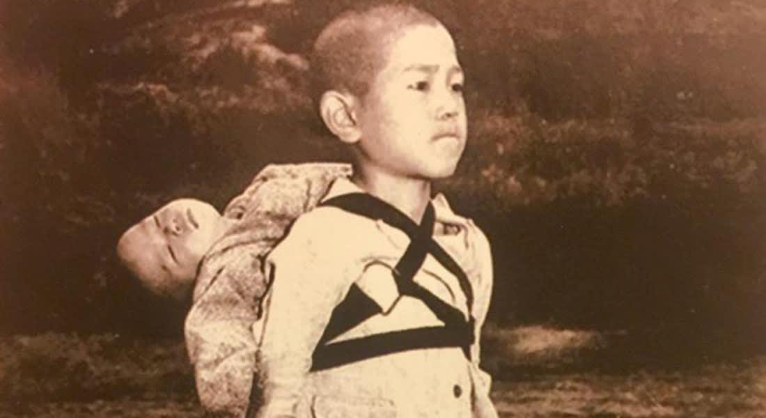 البابا يطبع ويوزع صورة من مأساة القنبلة النووية باليابان