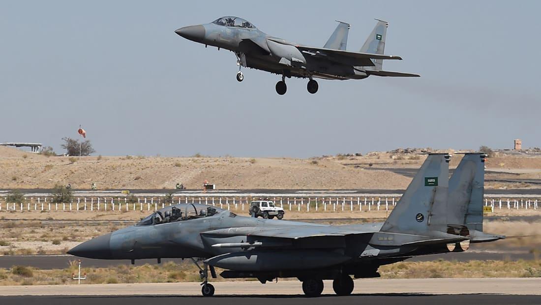 سقوط طائرة مقاتلة سعودية باليمن.. وقوات برية تنقذ الطيارين