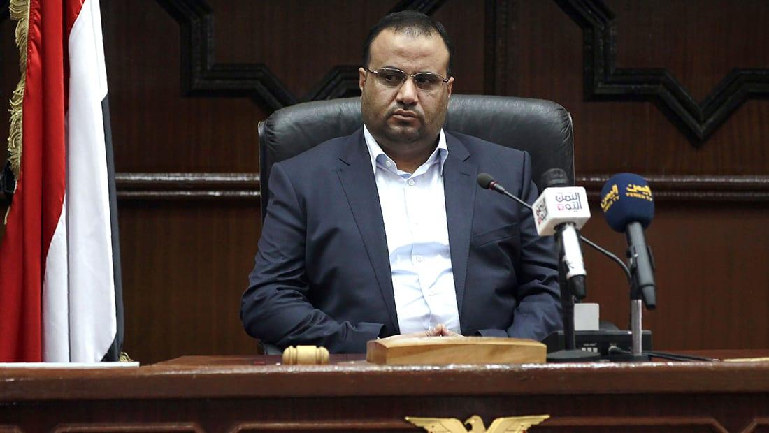 قرقاش يرد على تهديد الحوثي باستهداف الملاحة بالبحر الأحمر: توثيق جديد لإرهابهم