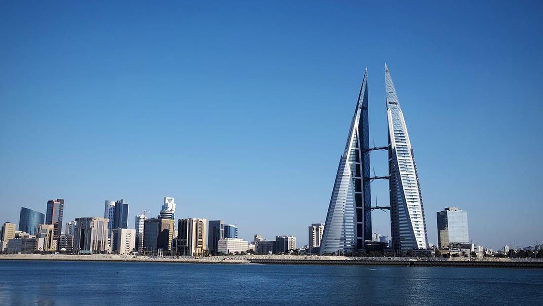 """البحرين تعلق على """"اعتراض قطر"""" لطائرة إماراتية برحلة للمنامة"""