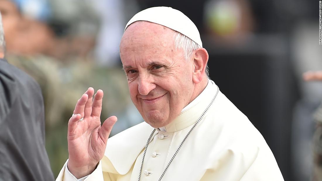 البابا يعتذر عن تعليقات جرحت ضحايا الاعتداءات الجنسية
