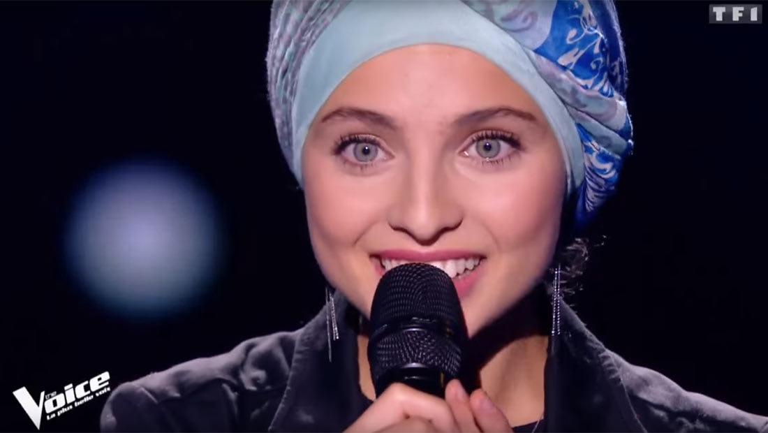شابة سورية فرنسية محجبة تبهر لجنة برنامج مواهب غنائية فرنسي