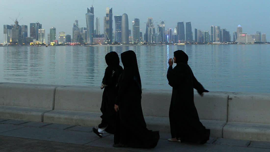 """وزارة التنمية القطرية: هكذا أثر """"الحصار"""" على حياة آلاف الأطفال والنساء والرجال"""