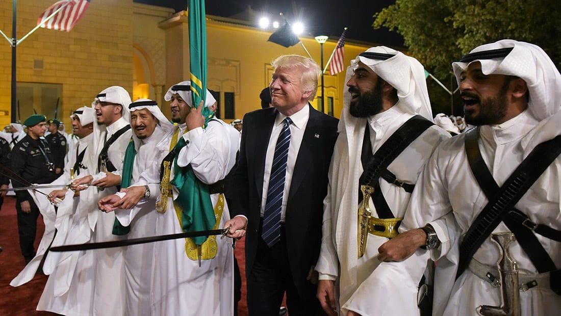 إيران تتهم بعض دول المنطقة بالتفريط في شرفها: شعروا بالأمن عندما رقصوا مع ترامب