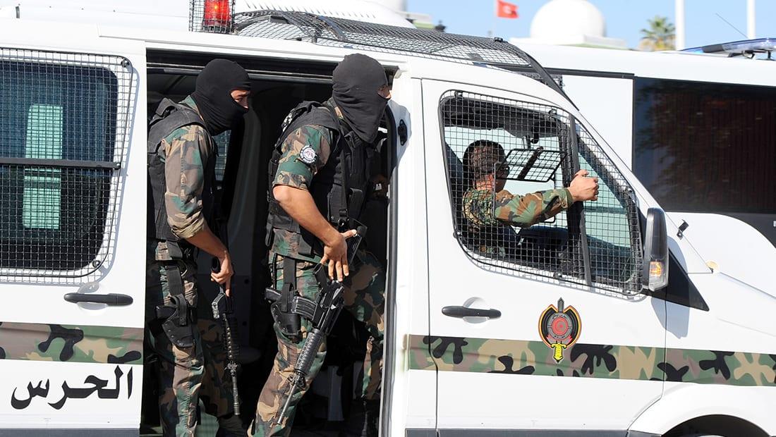 الداخلية التونسية: إرهابي يفجر نفسه خلال عملية أمنية