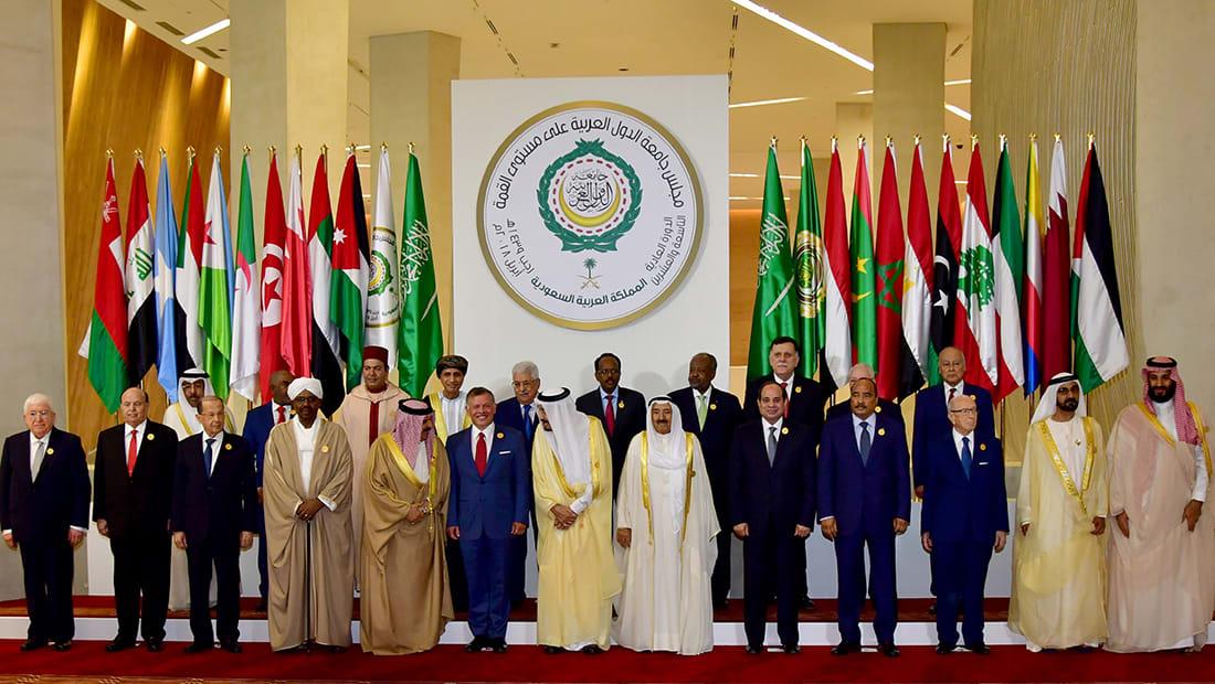"""قرقاش: غياب أمير قطر عن """"القمة"""" نتيجة طبيعية ومؤسفة"""