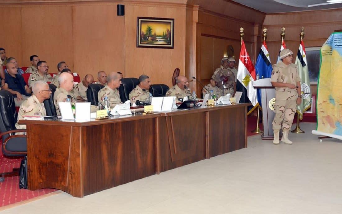 """وزير الدفاع المصري يتابع تطورات """"سيناء 2018"""" ويتوعد """"الإرهابيين"""""""