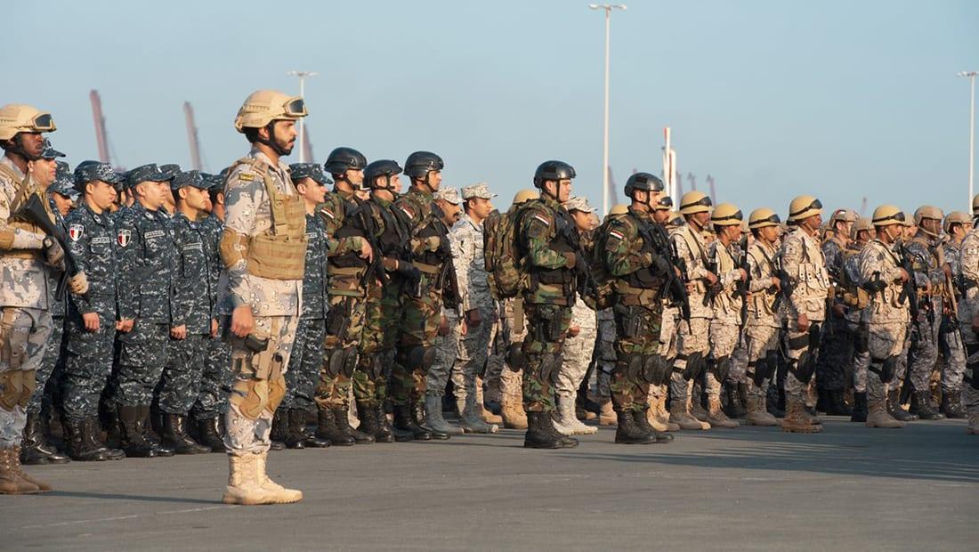 """انطلاق """"الموج الأحمر"""".. مناورات عسكرية بحرية بمشاركة 6 دول عربية"""