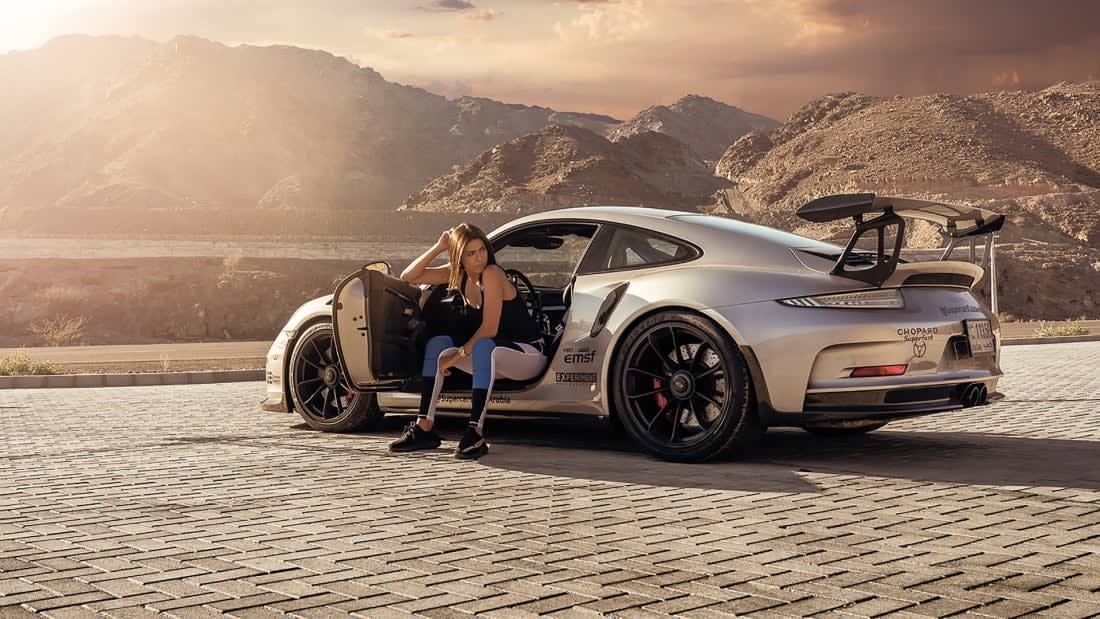 """لمحبي السرعة فقط.. دبي """"عاصمة"""" السيارات الفاخرة"""
