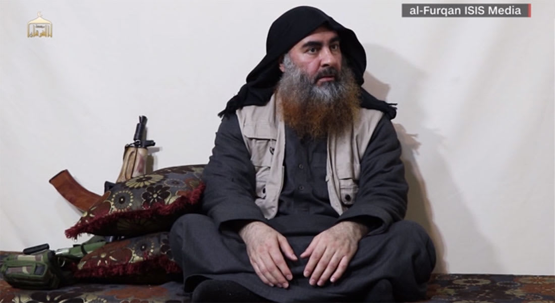 ماذا يُفهم من لباس وطريقة جلوس زعيم داعش البغدادي؟ محللتان تتحدثان لـCNN