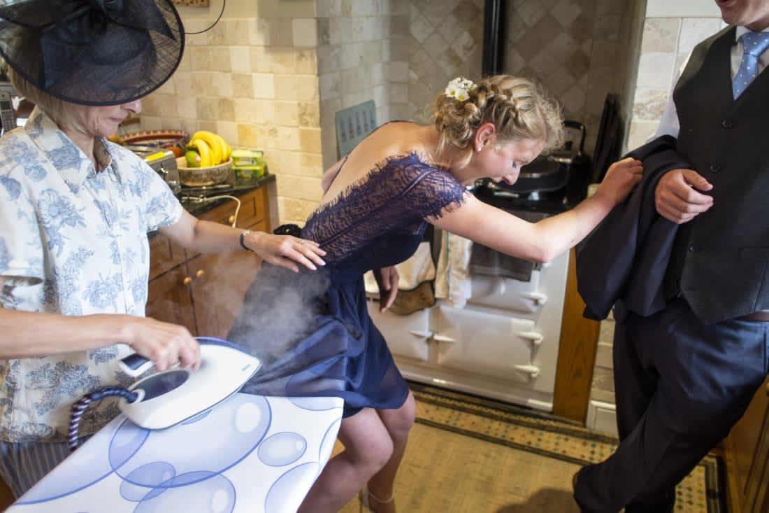 ألقي نظرة على ردات الفعل العفوية وغير التقليدية في حفلات الزفاف
