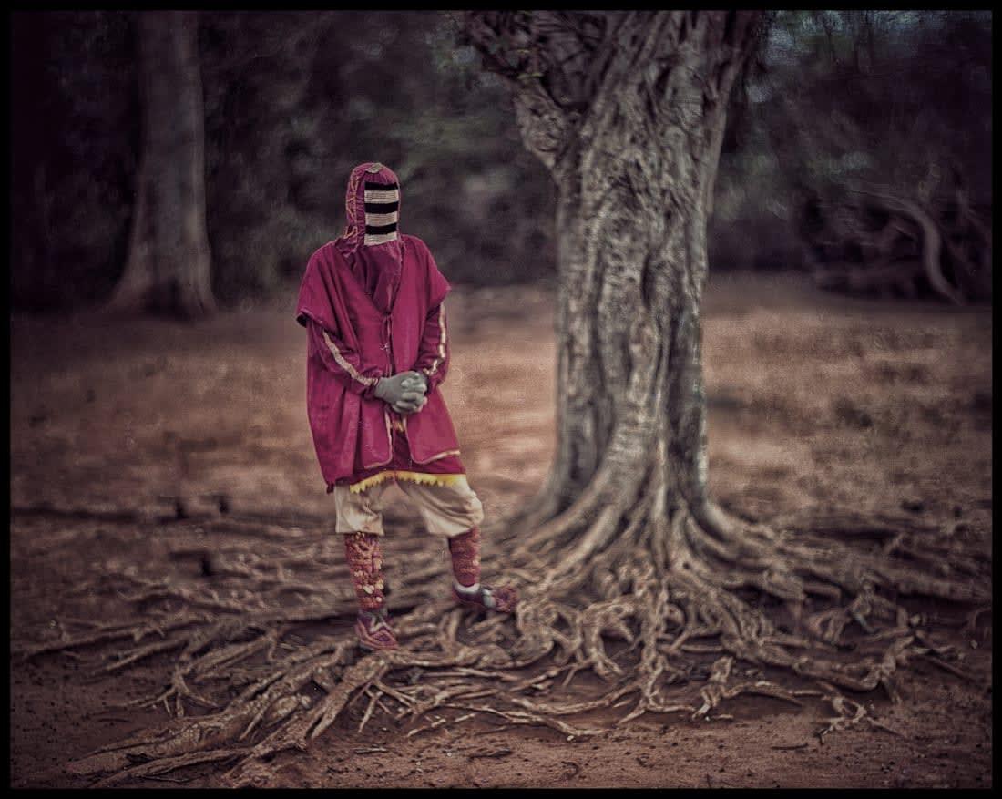 مصور يوثق أقنعة الطقوس الأكثر درامية في العالم