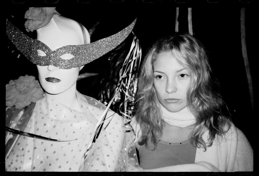 صديق مشاهير هوليوود يلتقط صوراً لهم في التسعينات