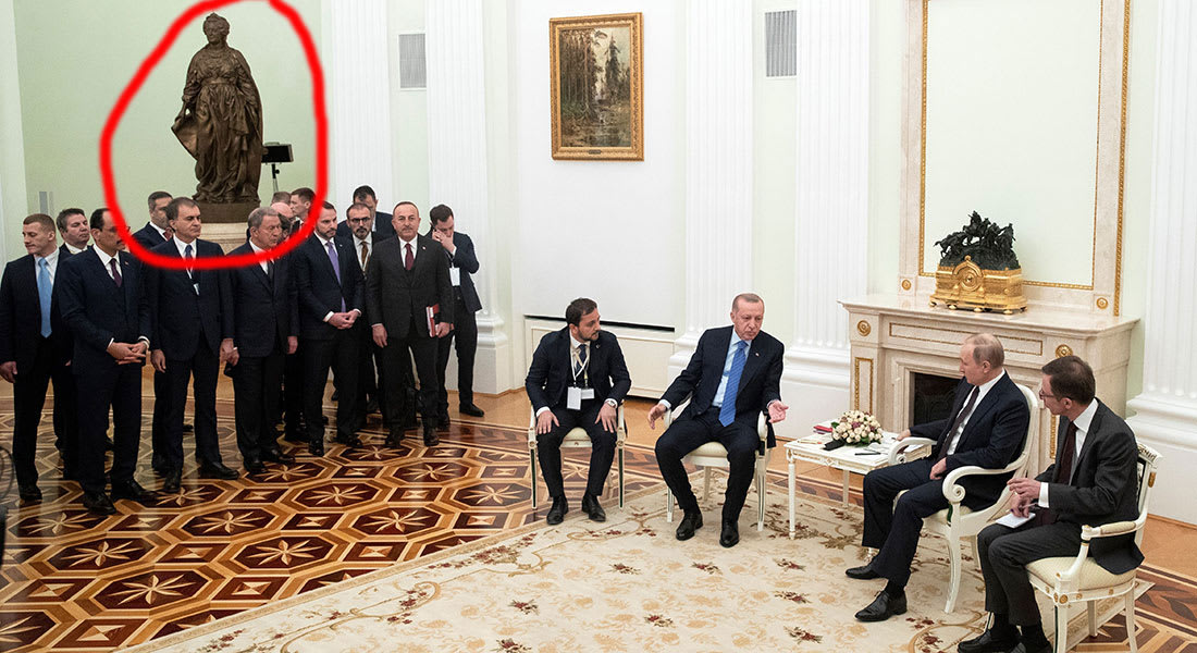 معنى تمثال فوق الوفد التركي خلال لقاء أردوغان وبوتين يثير تفاعلا على تويتر