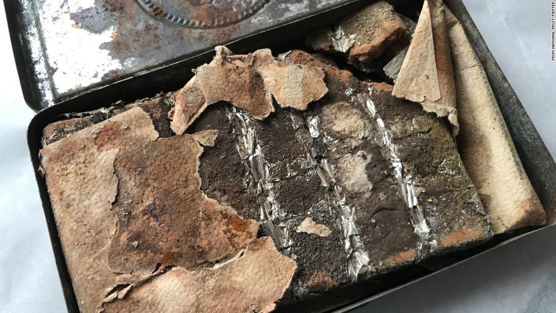 عمرها 121 عاماً..اكتشاف علبة شوكولاتة تعود لعصر الملكة فيكتوريا في إنجلترا