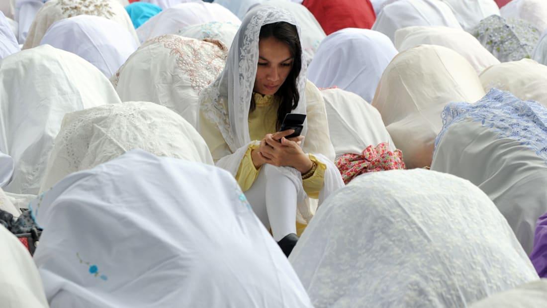 """خبير لـCNN: """"السحابة"""" والهواتف وفيسبوك وتويتر وتطبيقات """"النصائح"""".. طريق البنوك الإسلامية للتفوق والوصول للمرأة"""