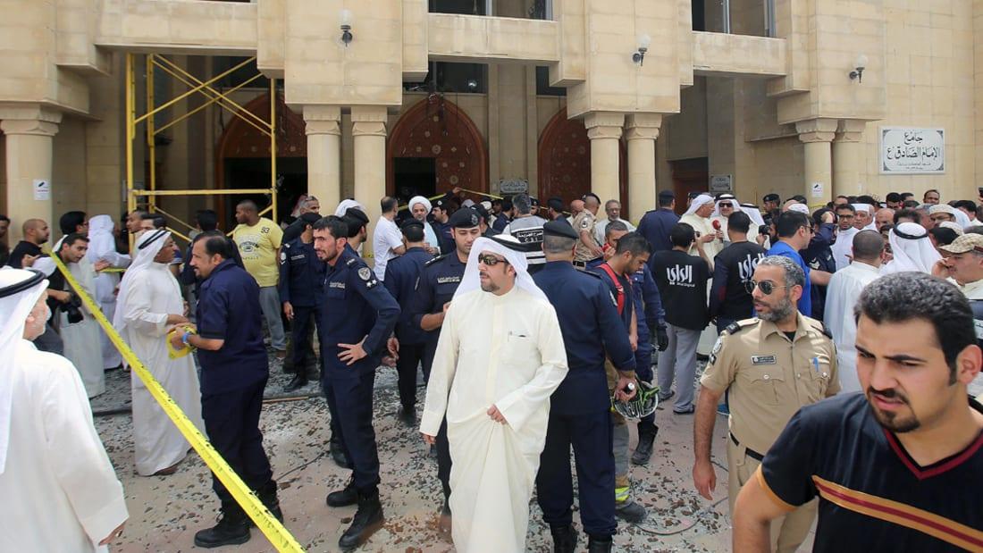 """شاهد.. تفجير مسجد بالكويت وقت صلاة الجمعة يخلف 25 قتيلاً و""""داعش"""" يتبنى الهجوم"""