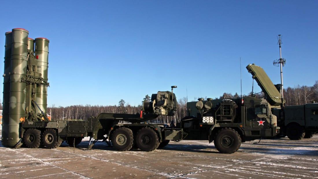 """بالفيديو.. وصول صواريخ """"إس 400"""" الروسية إلى سوريا بعد إسقاط تركيا لطائرة """"سوخوي 24"""""""