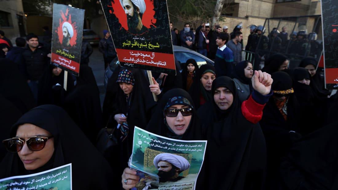 شاهد.. حريق بسفارة السعودية بإيران بعد احتجاجات على إعدام نمر النمر